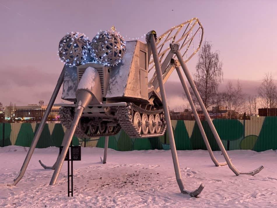 Онежский комар. Арт-объект Владимира Зорина. Фото Натальи Заболотских
