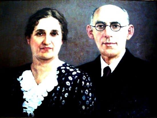 Радвогины Иосиф Рафаилович и Рахиль Моисеевна, мамины родители. Масло.