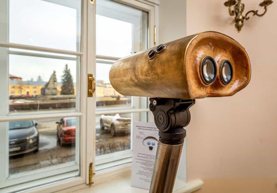 Бинокуляр с панорамами Круглой площади