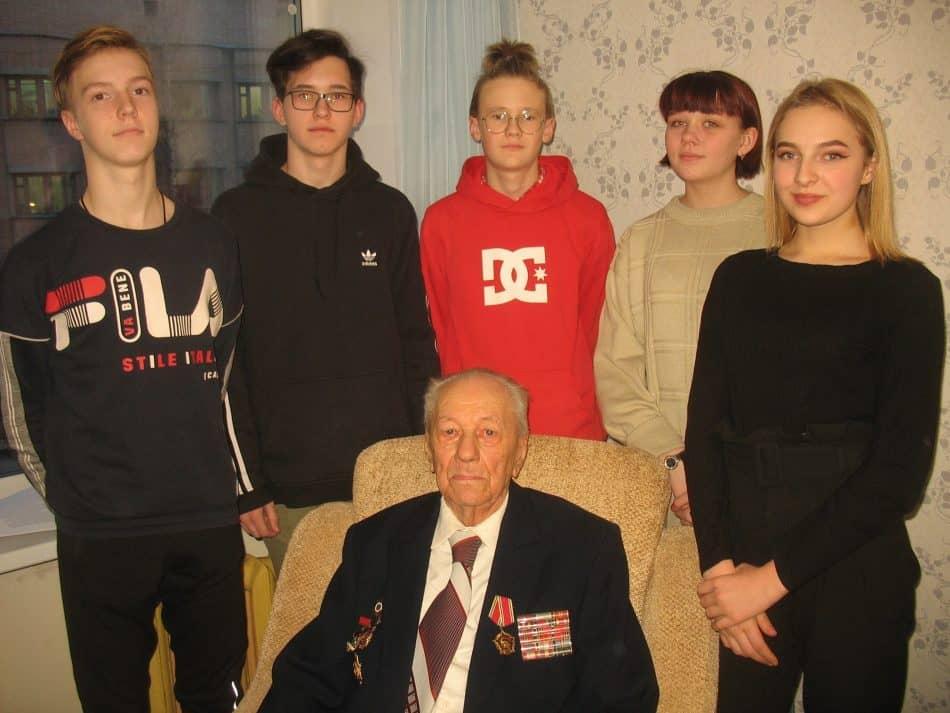 Дмитрий Александрович Москалев и восьмиклассники школы №6 Петрозаводска