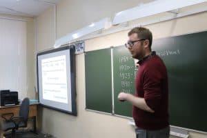 Учитель Петрозаводска 2020 года - Григорий Сузи, преподаватель истории Гимназии №17. Фото: Центр развития образования
