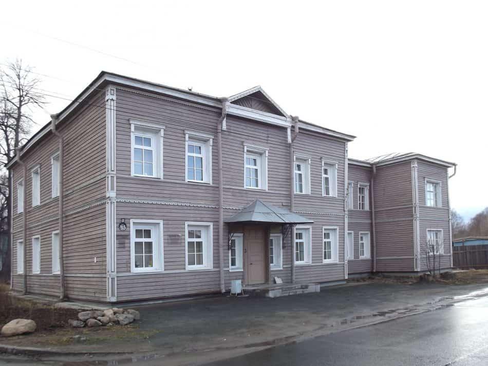 Хирургический корпус на ул. Федосовой,15