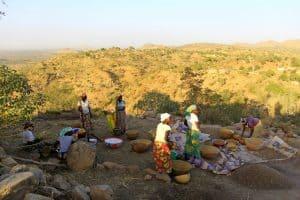 Путешествие по миру с Лидией Винокуровой. Камерун. Дом-лабиринт, 50 жён вождя и султанМаруа