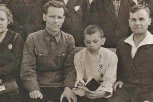 Мой отец Герман Свинцов на ВДНХ. 1940 год