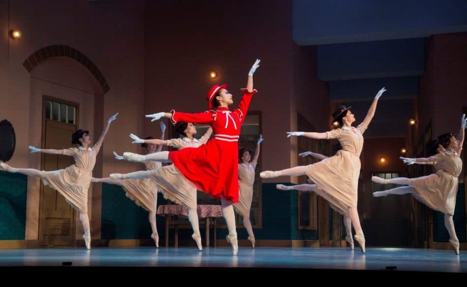 """Сцена из балета """"Тщетная предосторожность"""" в Музыкальном театре Карелии. Фото: МТ РК"""