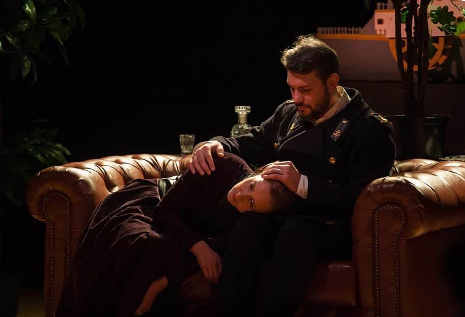 """Сцена из спектакля """"Васса"""". Фото из группы: vk.com/teatr_tm"""