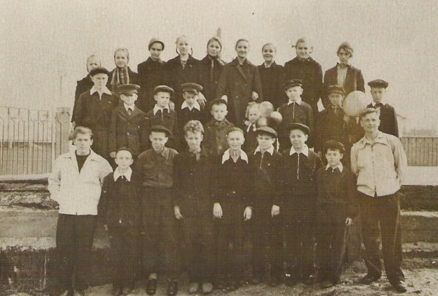 Ребята нашего Городка. Снимок конца 1950-х годов