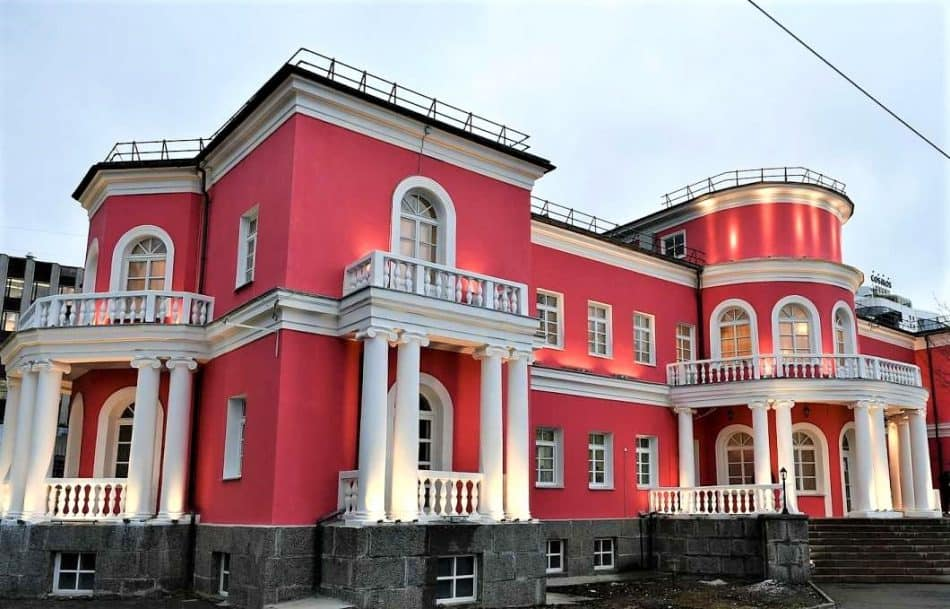 Дворец бракосочения в Петрозаводске. Фото со страницы Артура Парфенчикова ВК