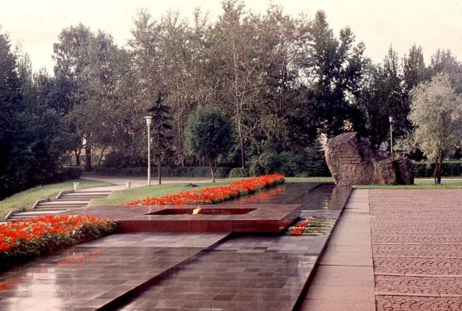 Мемориал. 1985 год