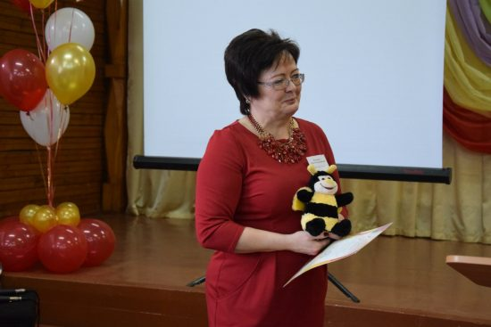 Директор школы поселка Ляскеля Ольга Кузьменко