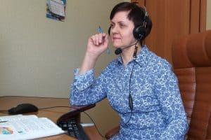 Галина Маккоева ведет дистанционный урок. Фото из личного архива