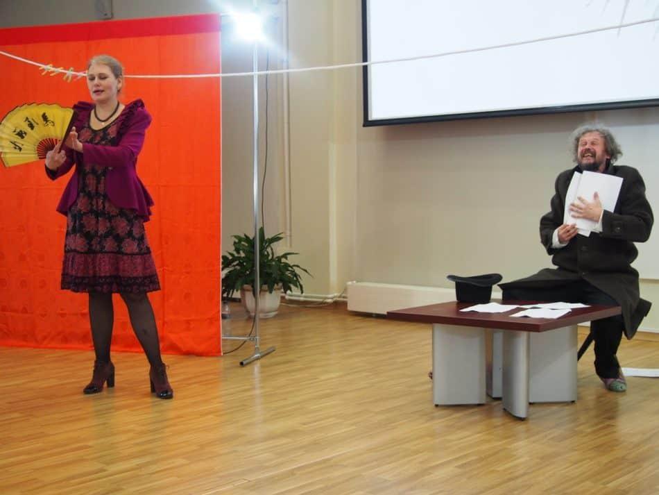 """Сцена из спектакля Liberté, Égalité, Fraternité в проекте """"Читка"""" НБ РК. Фото Марии Голубевой"""