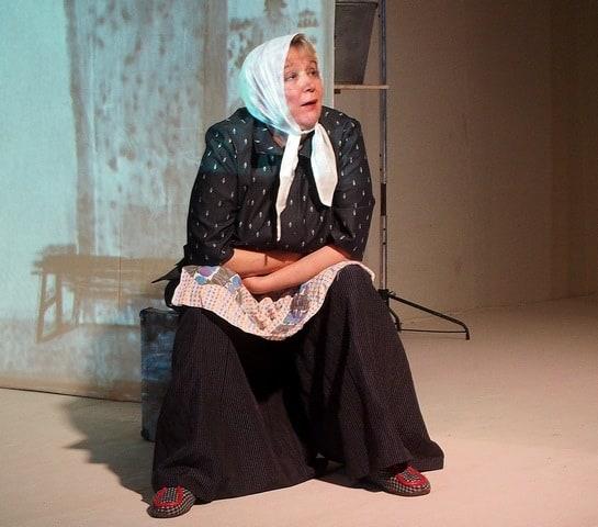 Людмила Баулина в спектакле «Матрёнин двор». Фото Ирины Ларионовой