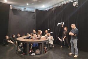 Занятия в школе. Фото из группы: vk.com/karelia_theater_school