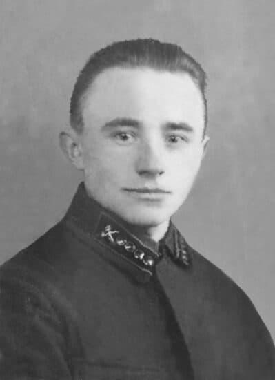 Отец - Петр Иванович Колганов - перед отправкой на фронт