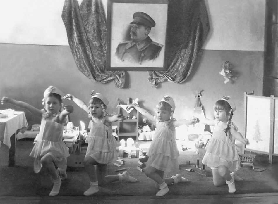 Новый год в детском саду. Петрозаводск. 1946/47 г.