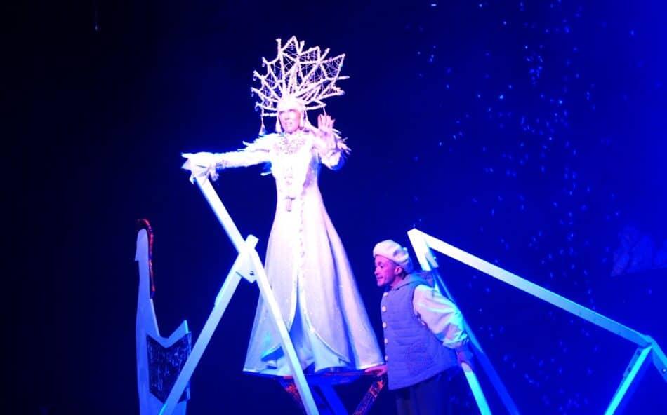 Олеся Леонтьева в спектакле «Снежная королева» в Национальном театре Карелии. Фото Ирины Ларионовой