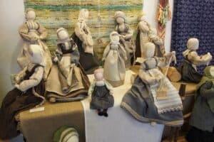 В Петрозаводске экспонируется выставка о ремесленных традициях финно-угорского мира России