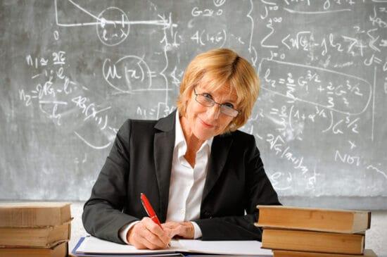 Упрощён порядок досрочного выхода на пенсию учителей и врачей