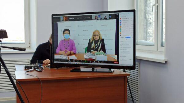 Ректор КИРО Ольга Дъячкова (слева) и исполнтельный директор Ассоциации сельских школ Зинаида Ефлова. Фото Марины Вдовиной