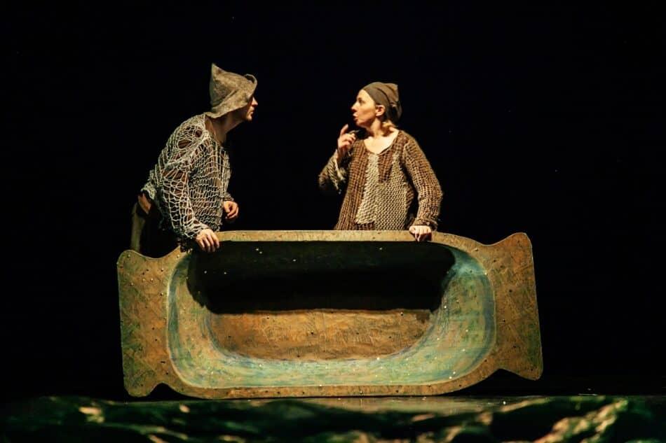 Сцена из спектакля «О рыбаке и рыбке» Театра кукол Карелии. Фото Юлии Утышевой