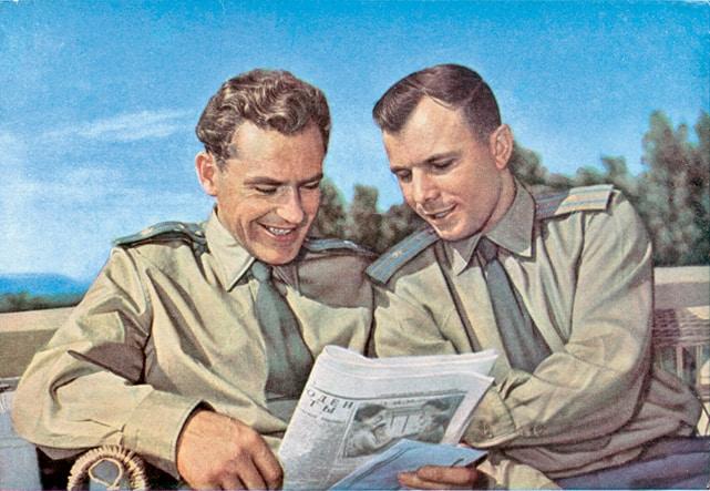 Первые советские летчики-космонавты Юрий Гагарин и Герман Титов. 1961