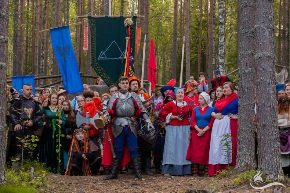 Наталья Денисова третья справа в первом ряду. Фото из личного архива