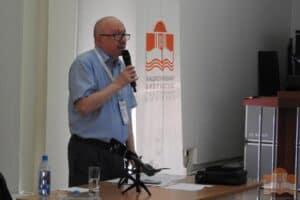 Денис Драгунский на встрече с читателями в Национальной библиотеке Карелии. Фото: library.karelia.ru