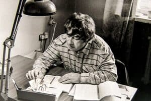 Валерий Леонтьев в своём кабинете в редакции