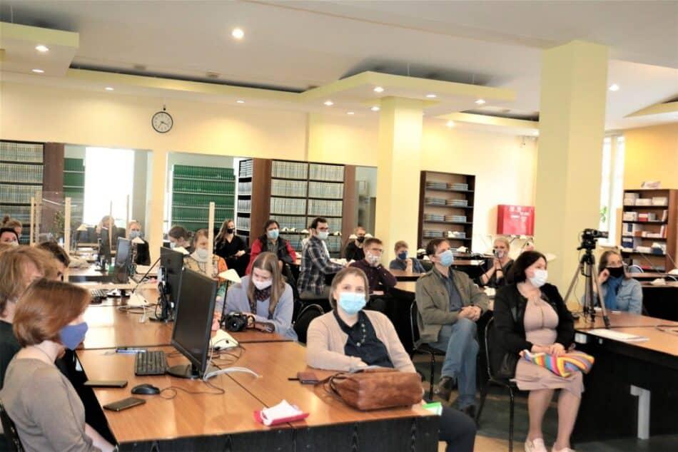 На презентации журнала в Научной библиотеке ПетрГУ. Фото: ПетрГУ