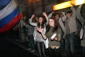 Ночная эйфория в Петрозаводске после выигранного нашей сборной матча на Евро-2008. Фото Владимира Ларионова