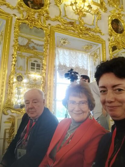 Участники Ассамблеи петровских музеев (слева направо): Михаил Гольденберг, директор Национального музея РК, Наталья Вавилова, директор Музея изобразительных искусств РК, и Виктория Никитина, идректор Галереи промышленной истории Петрозаводска