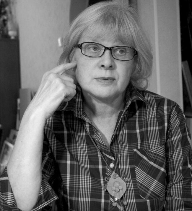 Ольга Икконен: «Рука сама тянется к синему…»