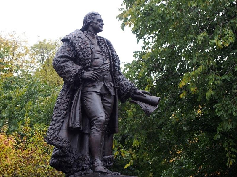 Памятник Карлу Гаскойну в Петрозаводске. Фото Ирины Ларионовой