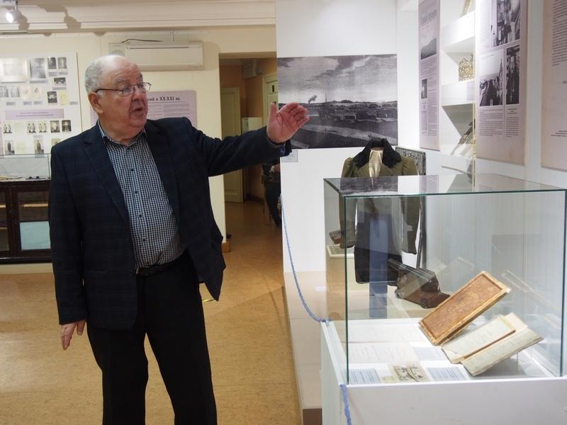 Директор Национального музея Карелии Михаил Гольденберг рассказывает о выставке первых предметов