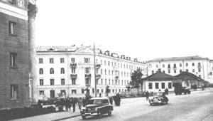 Пр. Ленина в районе гостиныцы ''Северной''. Фото К.Перфильева. НА РК