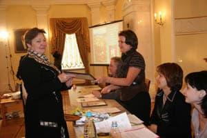 Татьяна Бердяева, директор Сортавальского музея, получает диплом победителя