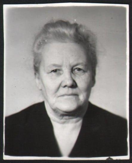 Моя любимая бабушка Мура. До нашей встречи ещё целых 10 лет.