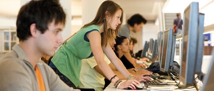 студенты в сети