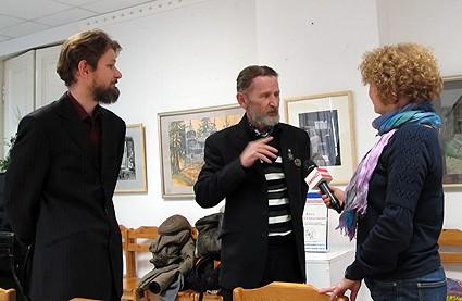 Интервью дают отец и сын Леонтьевы