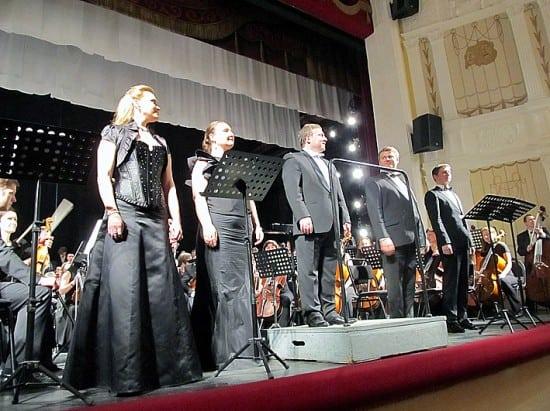 Слева направо:  Ольга Шуршина, Надежда Сердюк, Анатолий Рыбалко, Сергей Семишкур и Петр Мигунов
