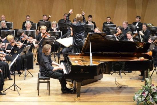 Илья Казанцев, Сергей Антонов и оркестр «Классика»