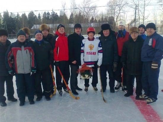 Последний раз Николай Степанович Шогин вышел на лед в 87 лет и забил голы в игре в русский хоккей!