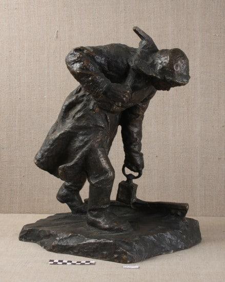 Путевой обходчик 1958. Собственность музея ИЗО РК