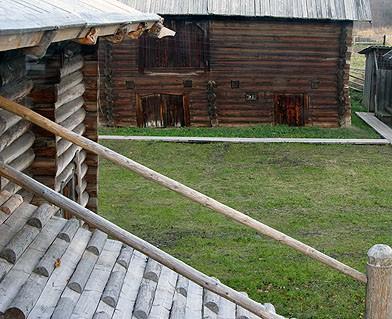Двор старого вепсского дома