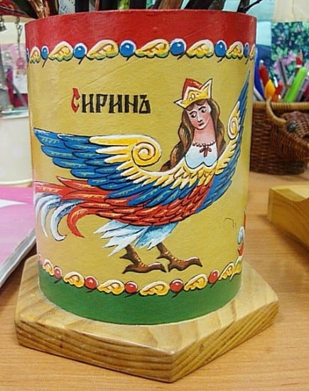 Декоративный стакан для ножниц. Подарен музею «Рукоделия Поморья». 2009