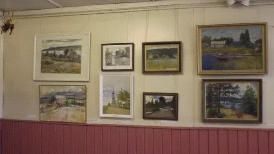 Картинную галерею в клубе открыли  10 лет назад