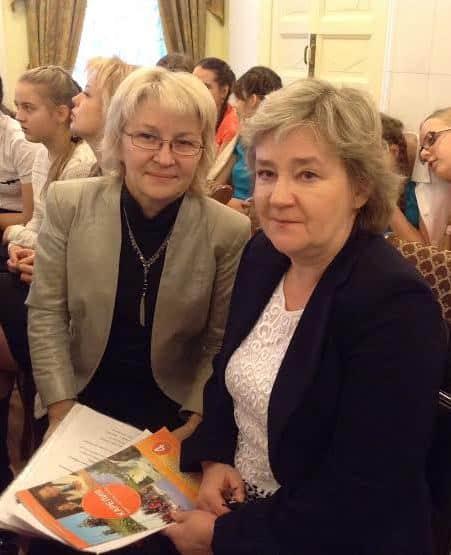 Ольга Парамонова (слева) и Ольга Сухвалова на презентации УМК «Моя Карелия».