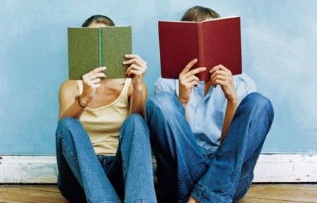 Книг для подростков, которые они хотели бы обсудить, не издают. Фото fobr.ru