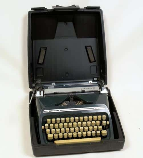 Пекка Пертту. Пишущая машинка